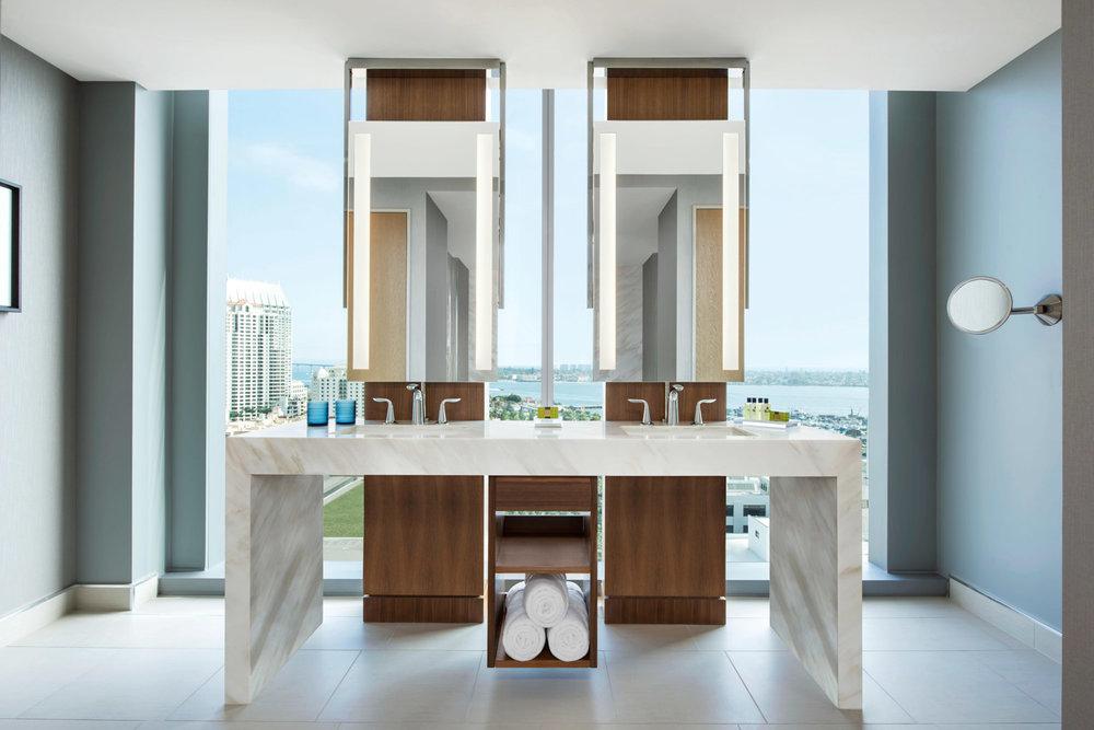 Presidential bathroom at luxury InterContinental Hotel, luxury brand hotel photos, international resort photographer