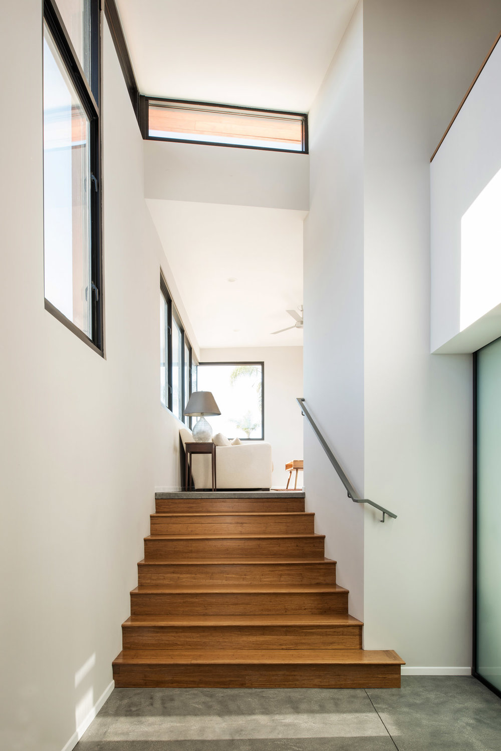 Apartment stairway by BV Architecture, stair details, architecture details