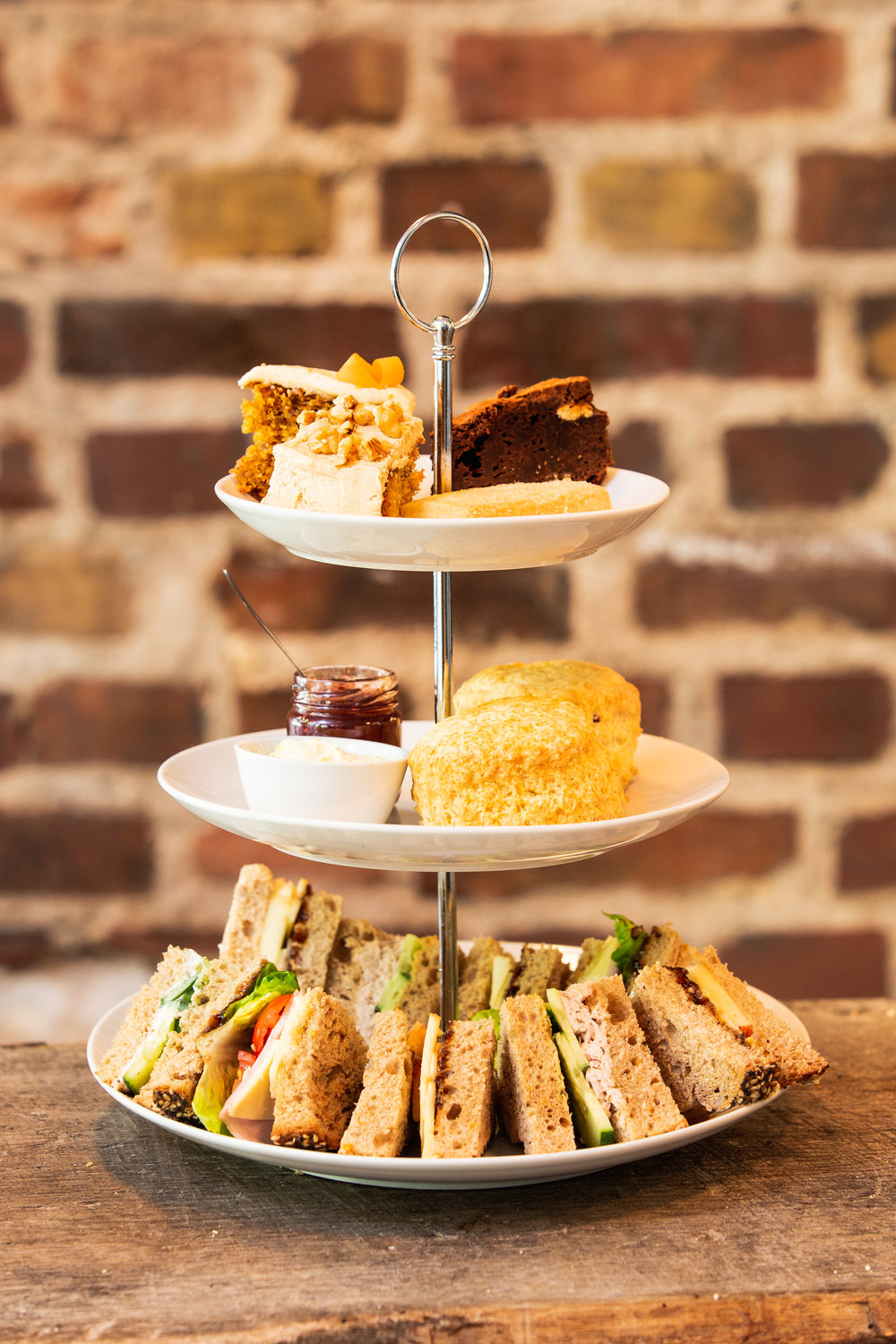 Call   or   email   to book an afternoon tea for two and enjoy our home-made sandwiches, scones and cakes in the heart of Cologne-Nippes.