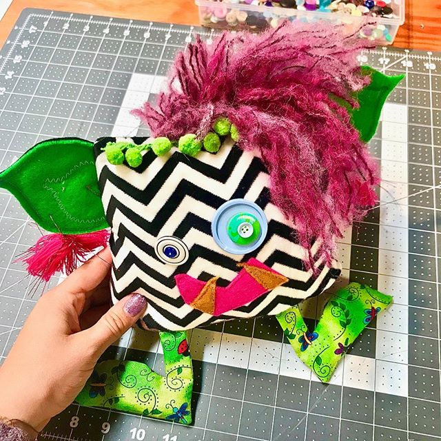 Playing in the studio . . . . #projectsqueeble #playfriend #handmadehour #fiberartistsofinstagram #upcycledart #upcycledesign #artforyourhome #artforinteriors #handmadewithlove❤ #textilesdesign #creativehappylife #calledtobecreative #createmakeshare #craftsposure #makersvillage #modernmaker #wearethemakers #createdtocreate #fiberart #fiberarts #originalartwork #handmade #artoftheday #makersmovement #makersgonnamake #makers #monsters #textiles #squishy #snuggles