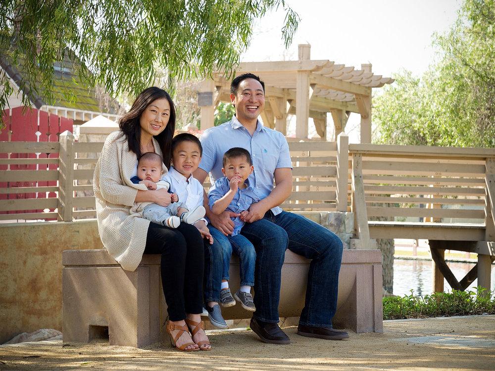 Lum-Family-Photoshoot-062-_DSF4808-PSedit-web2k.jpg