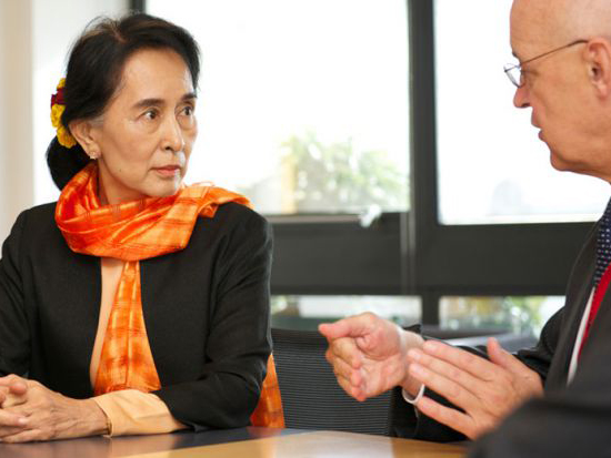 aung-san-suu-kyi-andrew-hamilton-university-of-oxford.jpg