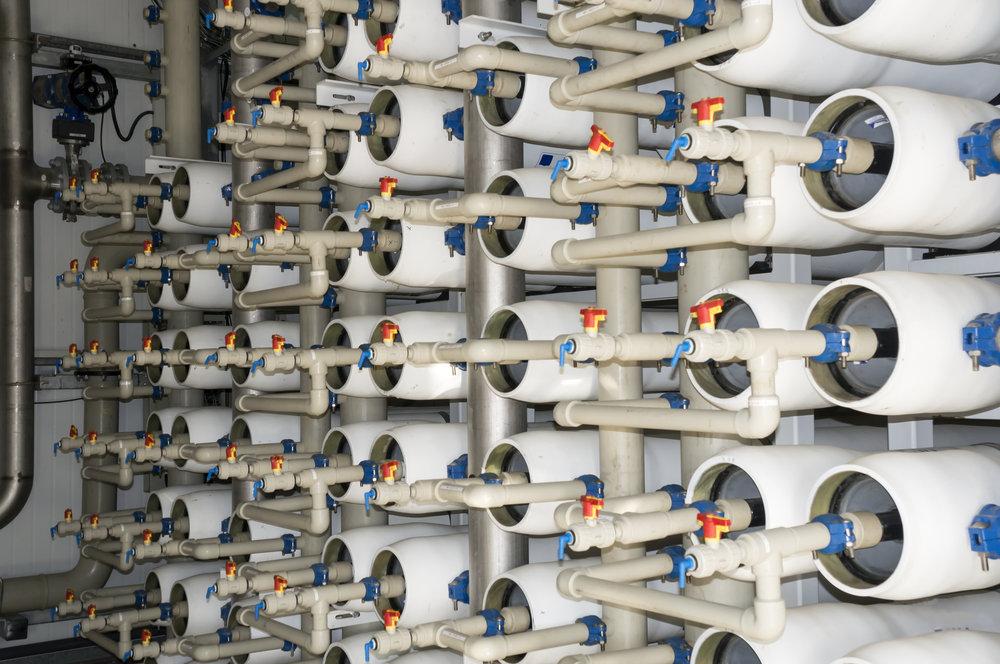 AQQA®  schützt die Membranen der Umkehrosmose und verringert die Betriebskosten.  Mehr…