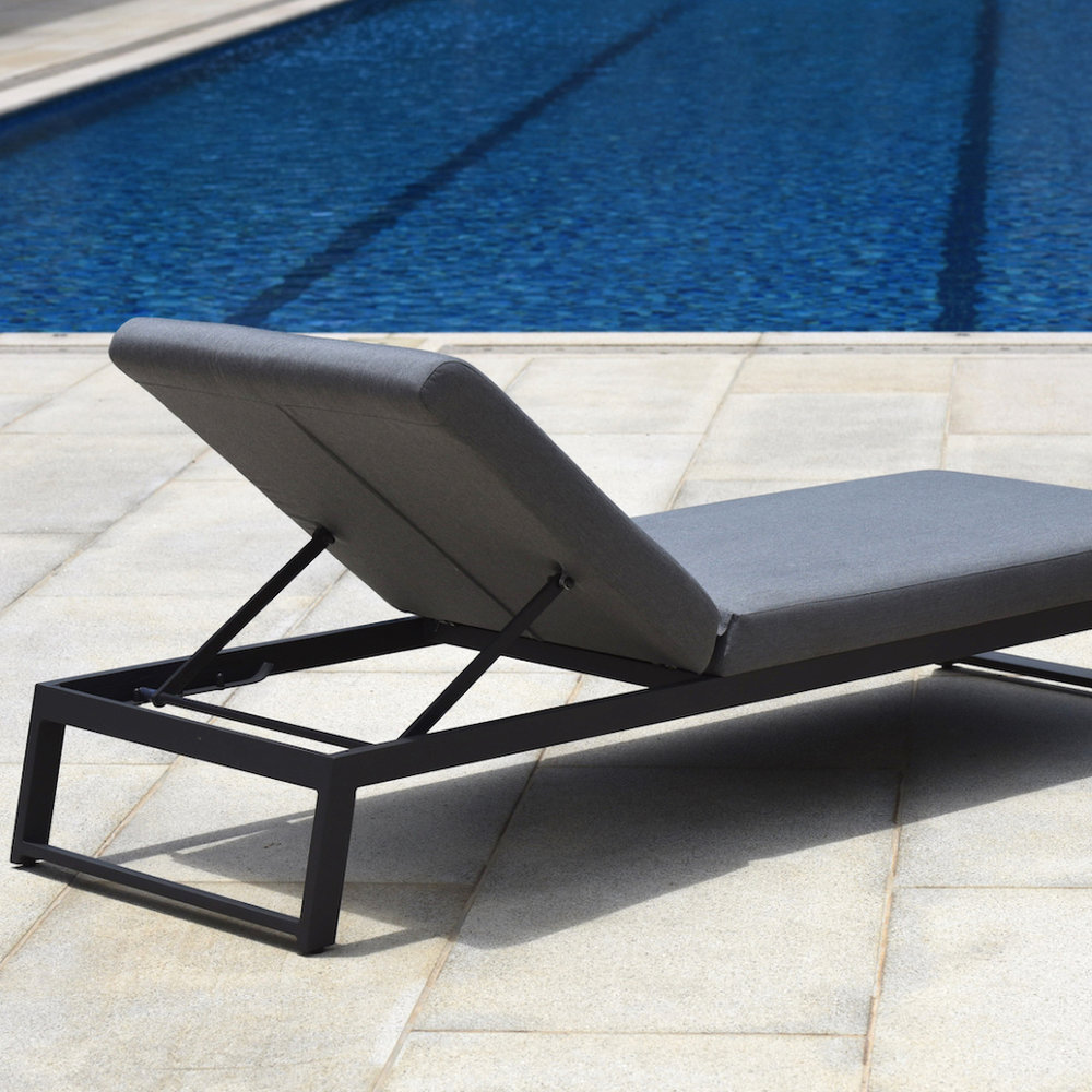 Sunloungers & Daybeds -