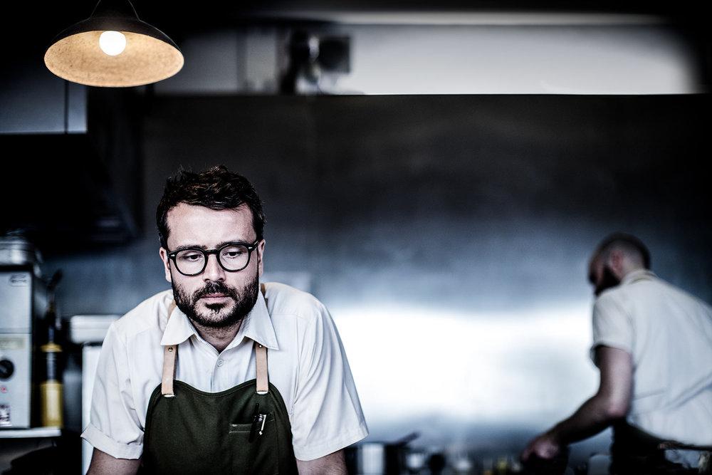Puglisis Manifest - Heartland Banquet var i 2018 beværtet og kurateret af en af Danmarks dygtigste og mest ambitiøse kokke; Christian F. Puglisi. I den forbindelse skrev han et manifest, om at skabe en moderne fødevareverden. Læs hele essayet her.