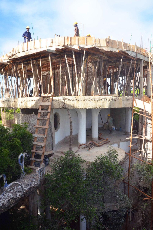 WEB-Treehouse-Build1.jpg