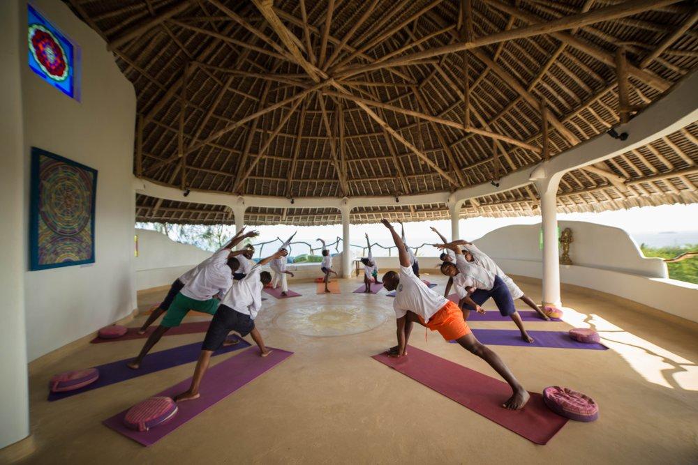 Yoga_50_MaxMelesi.jpg
