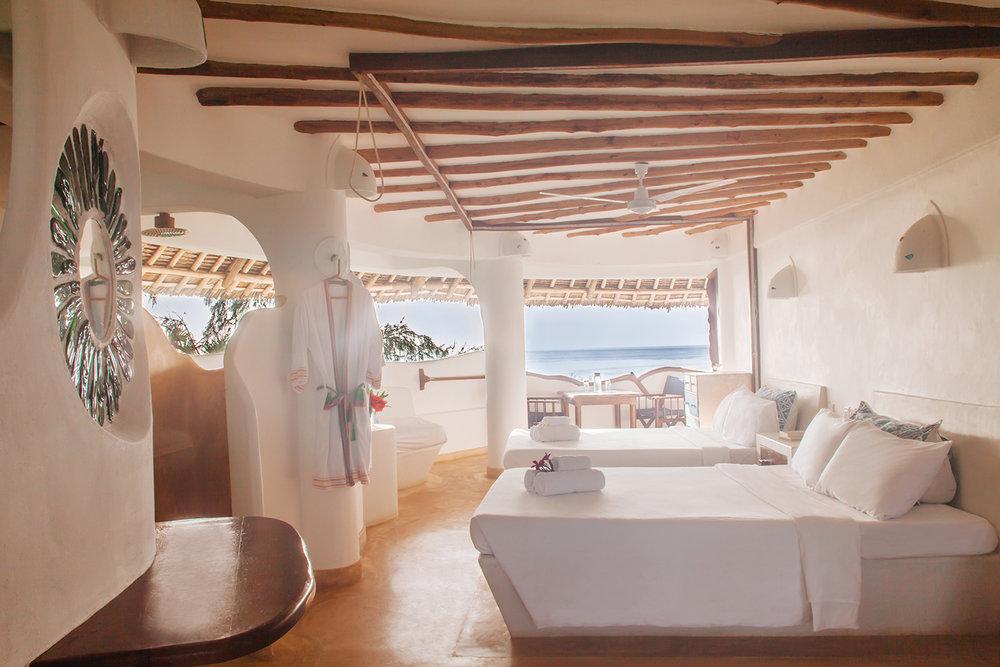 Room_Sunrise1_HandZaround.jpg