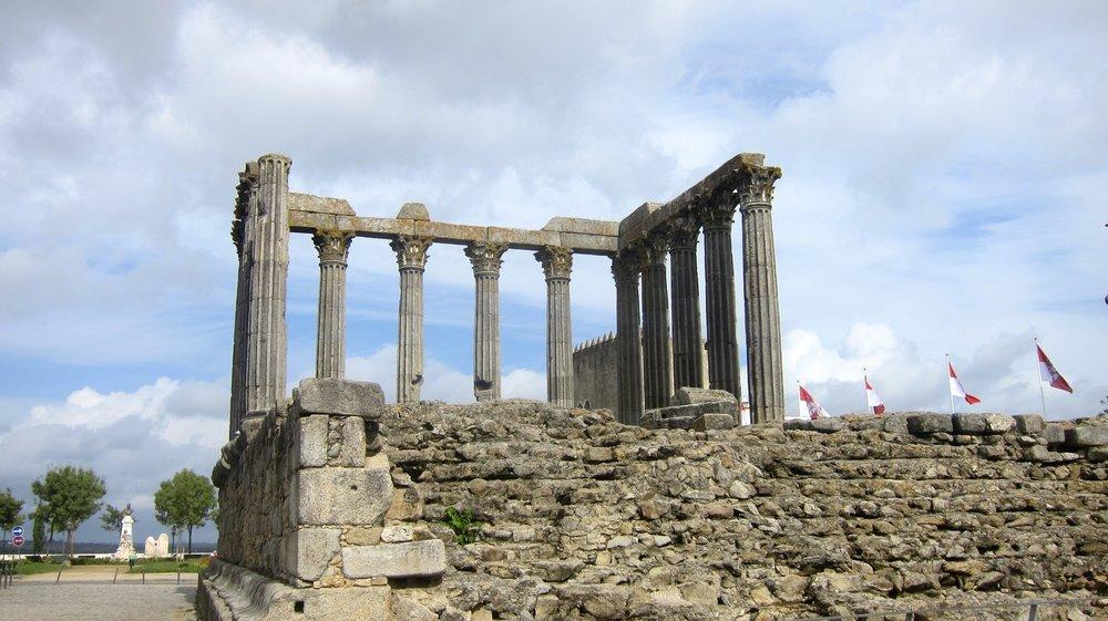 The Templo de Diana, a roman temple, in the city of Evora.