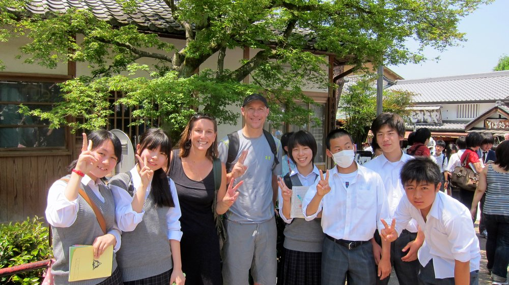 A group of high school students who practiced their English with us for an assignment.