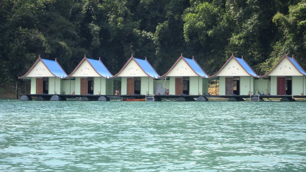 Smiley Lake House Floating Bungalows