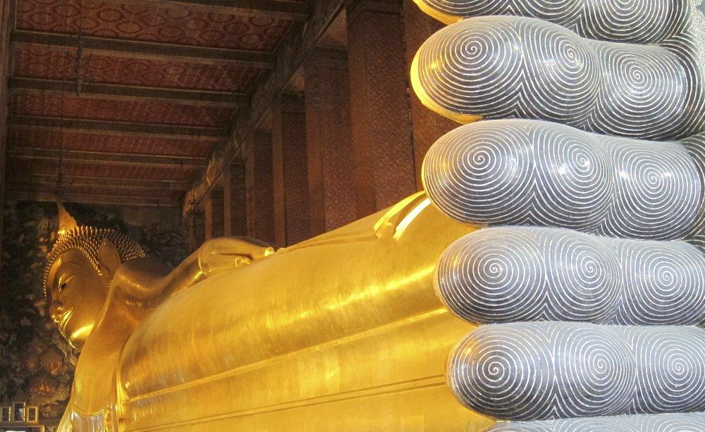 Reclining Buddha at Wat Pho - 15m high and 43m long.