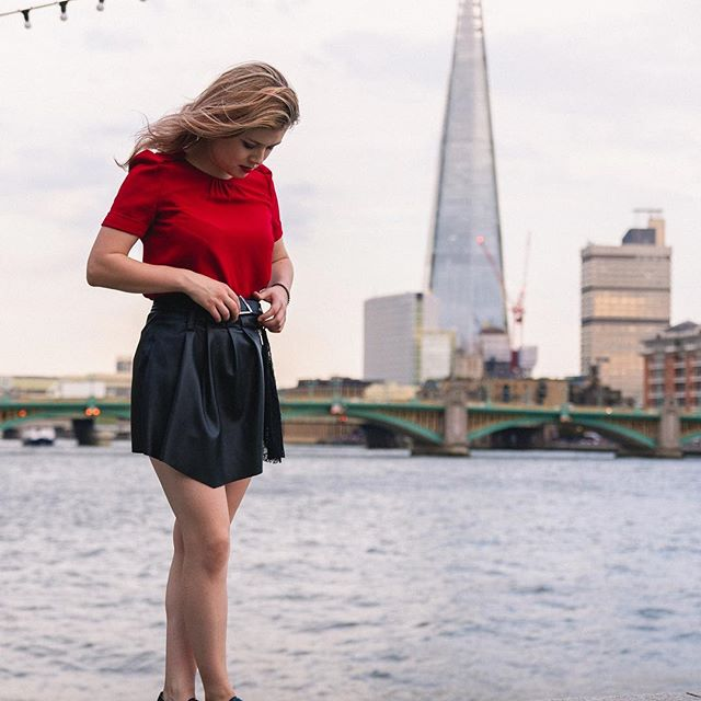 Week 2 of university - I think I never read so many articles in one row before 😅. Do you have any advice on how to read fast and efficiently? Please let me know! By the way - this photo shows me (again), trying not to fall into the Thames.  @portraitpage @portraitmood @portrait_vision @portraitgames @dynamicportraits @streetmobs @uk.ports @moodyports - - - - - - - - - - - - - - - - - - - #leatherskirt #shard #styleforum #rosaslife #classywomen #londonist #streetstyle #classystreetwear #womensfashion #edgy #uk_shooters #portraitpage #artofvisuals #redlips  #portraitmood #makeportraits #portrait_perfection #uk_ports #portraitphotography #agameofportraits #thecreatorclass #postmoreportraits #portraitmood #portraiture #moodyports #portrait_vision #portraitpage #londonvisionaries