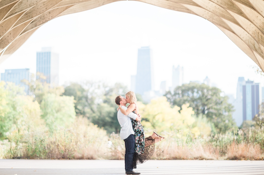 Chicago-Skyline-Engagement003.jpg