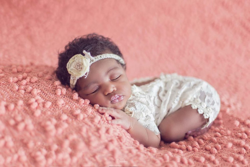 02Chicago-Newborn-Photographer.jpg