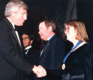 In 1986 Governor Mark White presented awards to outstanding working journalists on behalf of the Foundation.