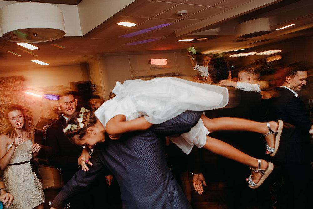 dances-bouquet-reception-2018184946.jpg