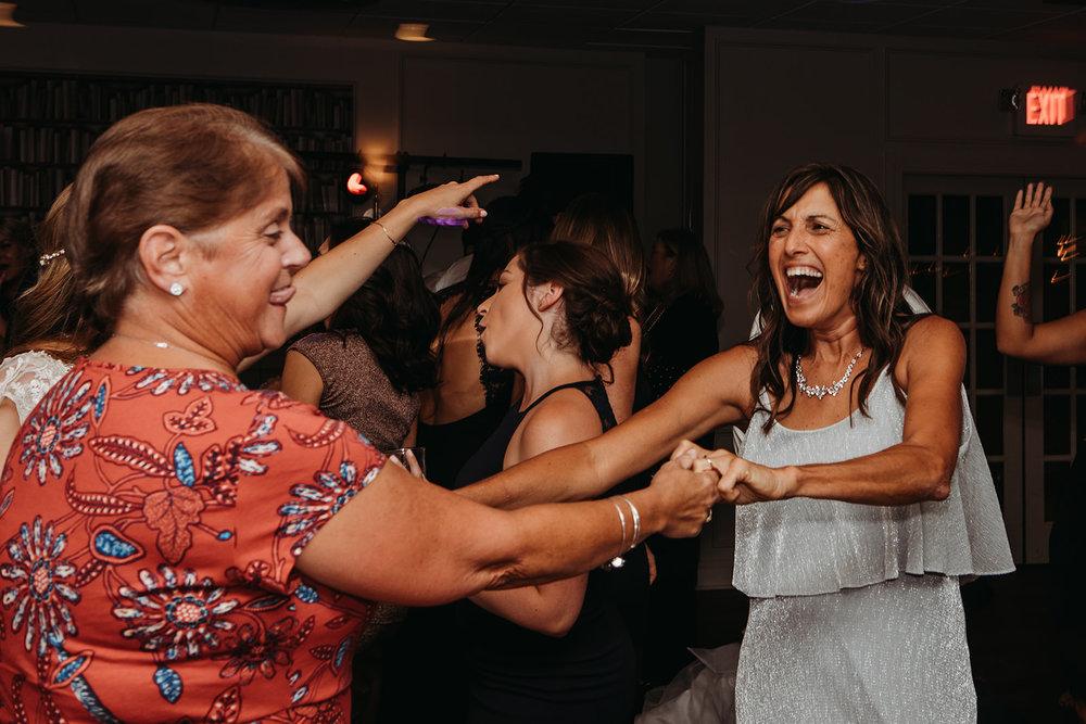 dances-bouquet-reception-2018193810.jpg