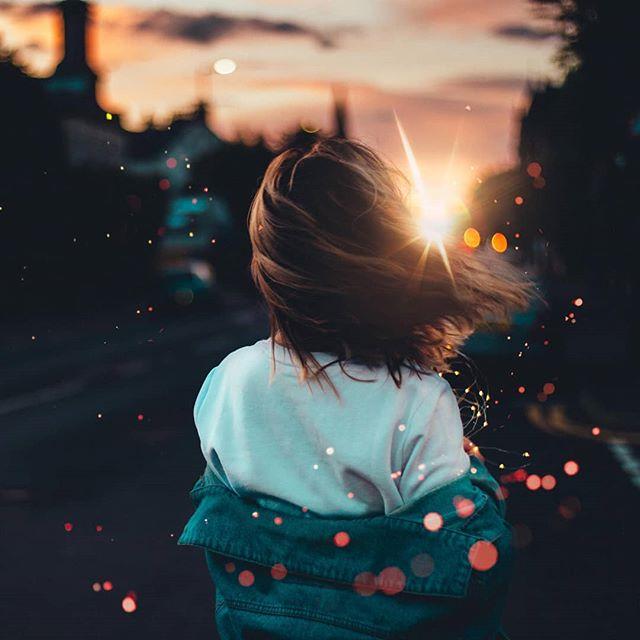 The essence of the Dream.  Feat. @sarah_macg  #ourportraitdays #portraitvisuals #nextvisualportraits #scottishphotographer #ukportraits #portrait_mf #portraitvisuals #womeninframe #ourcolourdays #ourmoodydays #moodyports #doports #benjamin_ellis_ #bravogreatphoto
