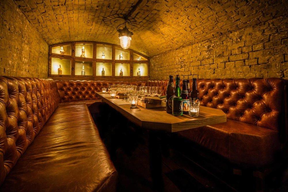 tt-liquor-cocktail-bar-gin-tasting-rum-tasting-whisky-tasting-shoreditch-east-london-01-e1490286304708.jpg