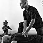 vital shiatsu arles 13 pression shiatsu traditionnel . traitement des douleurs dorsales.