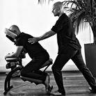 vital shiatsu arles 13 . shiatsu sur chaise ergonomique. Traitement des tensions nerveuses et musculaires . Événementiels et en entreprises .