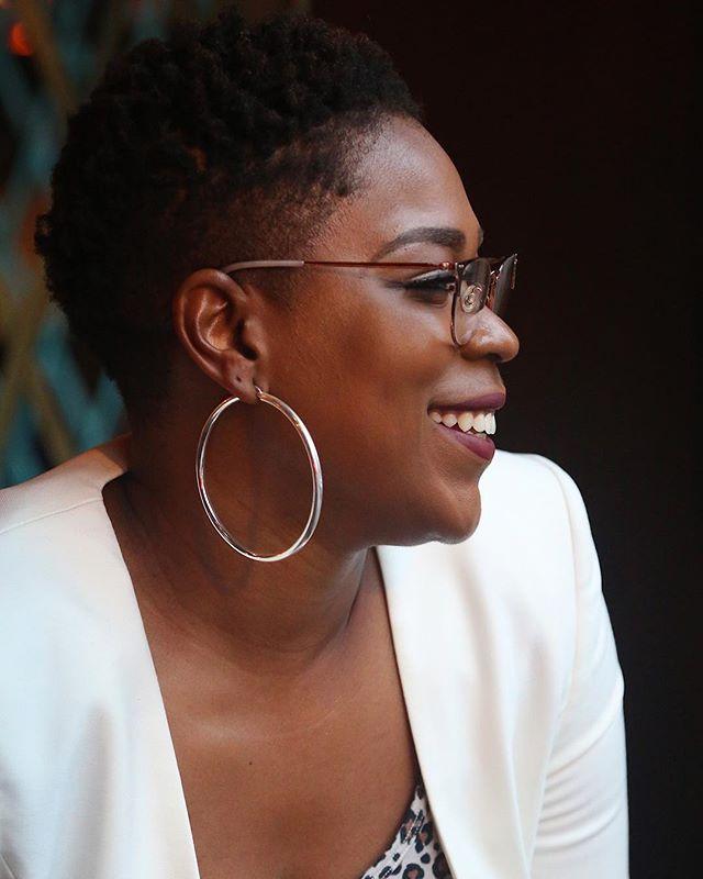 Meeting each of the women at our Atlanta Dean's List Dinner was a joy. After photographing the event, I spend the week editing images of amazing ladies like @britneyjeanine. If you need brand advising for your business - look her up! • • • • • @mydeanslist @merenator @doublezeroatl  #digitalbranding #branding #boss #atl #atlbloggers #empoweredwomen #atlantablogger #entrepreneur #balloons #minimalist #goalgetter #girlboss #hustle #thedeanslist #deanslistdinners #bossbabe #doublezero #womeninbusiness #decatur #citylife #smallbusiness #cityskyline #femaleowned #businesswoman #atlanta