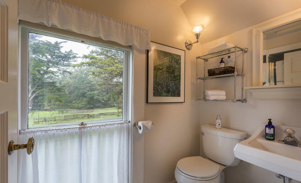 The bathroom of The Garret