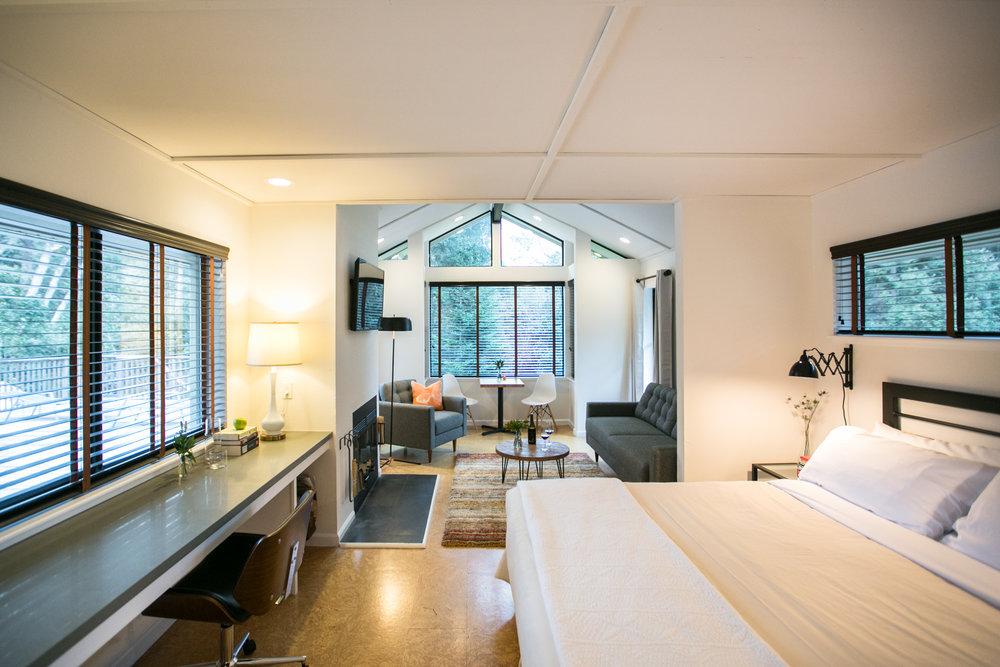 Room_205_FullView02.jpg