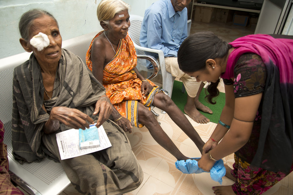 Nice pix patients and staff.jpg