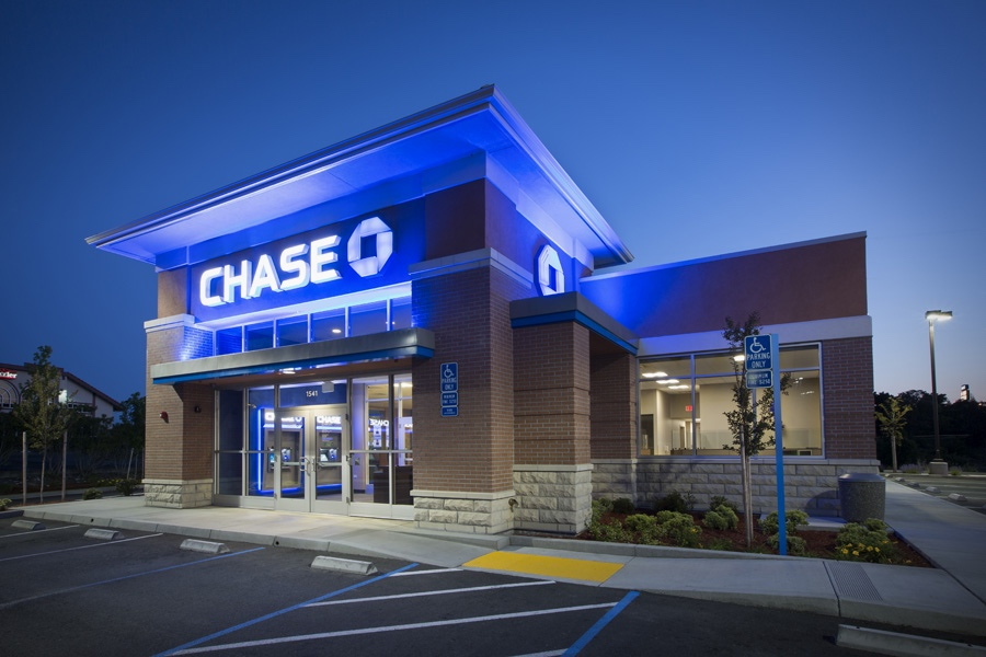 Featured Tenant - Chase Bank >> Chase is one of the oldest financial institutions in the United States. With more than 5,100 branches and 16,000 ATMs nationwide, Chase is able to serve millions of consumers, small businesses and many of the world's most prominent corporate, institutional and government clients. Chase and Donovan Real Estate Services work together to identify optimal real estate spaces that will best serve their customers. See the full list of clients >>