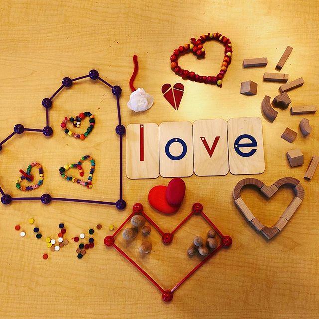 We LOVE our @spielgaben set of loose parts! #looseparts #valentinecraftsforkids #openendedplay #openendedtoys #creativekids
