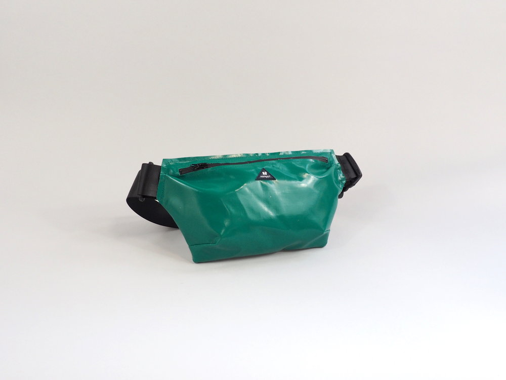 bumbag turquoise.JPG