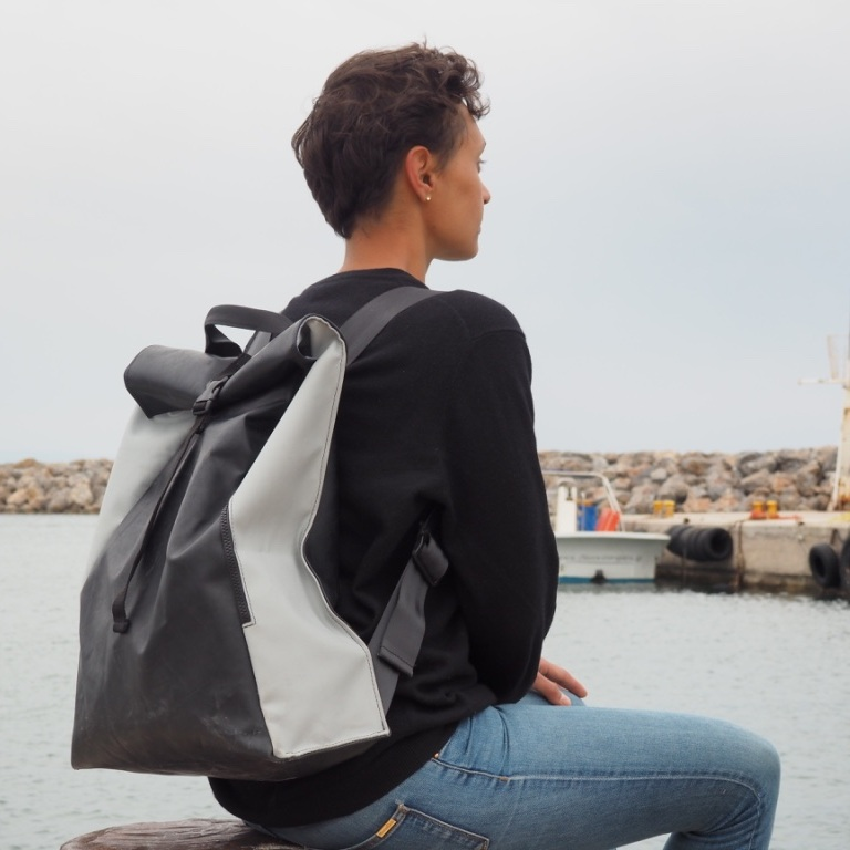 mimycri_Backpack_Harbour_Chios.jpg