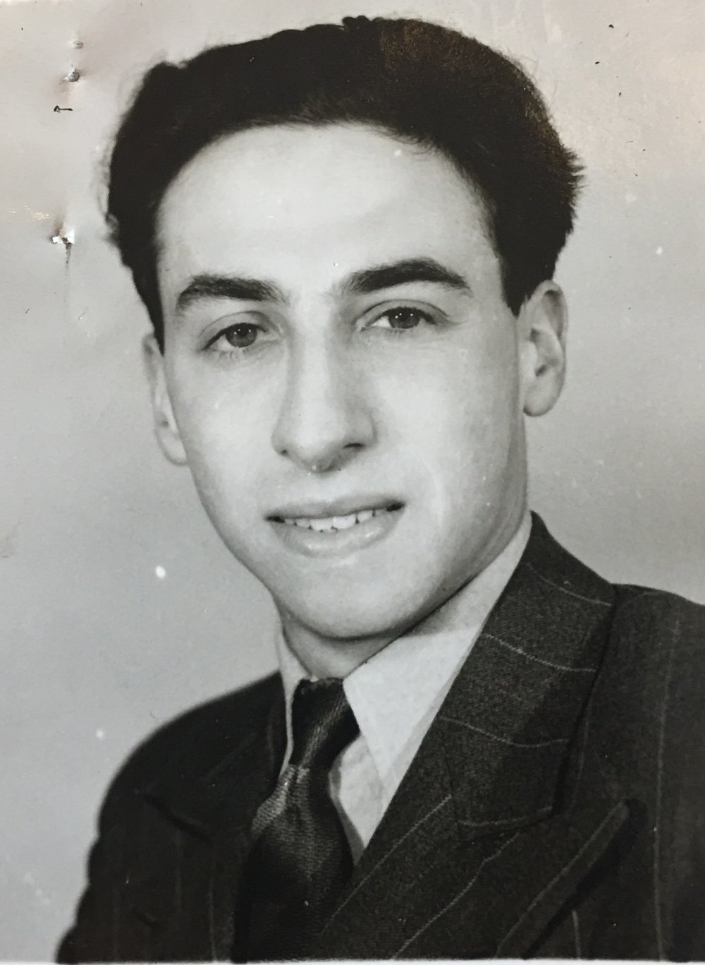 Manny Silver who ran the Ascot hostel was just twenty-two years old. Photo: Weiner Library.