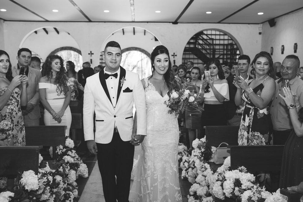 BodasMedellin-Medellin-Bodas-Matrimonios-Colombia-BodasColombia-WeddingColombia-WeddingPhotographer-Photographer-SantaMonicaPremium-SantaMonica-Eventos-Llanogrande (16).jpg