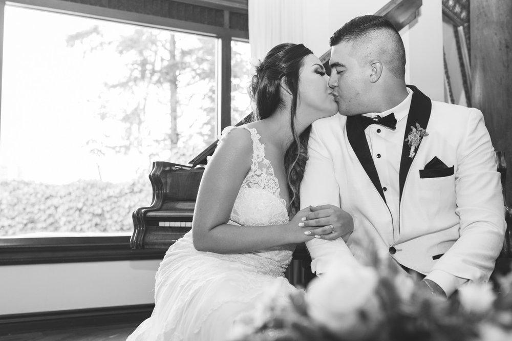 BodasMedellin-Medellin-Bodas-Matrimonios-Colombia-BodasColombia-WeddingColombia-WeddingPhotographer-Photographer-SantaMonicaPremium-SantaMonica-Eventos-Llanogrande (22).jpg