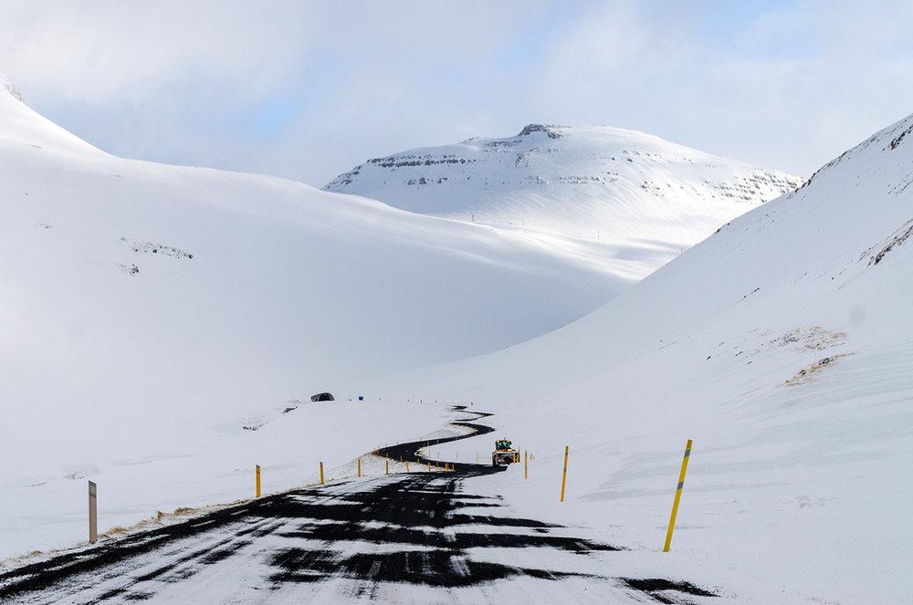 Ísafjörður-road-2.jpg