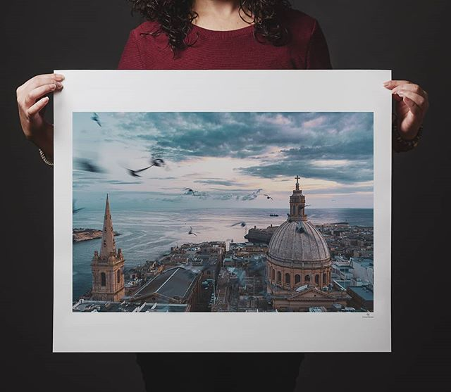 Għażiża Valletta!  Our capital city is very dear to me and even though I have not been involved in @valletta2018 in many ways, I could not let this year pass without paying tribute. So I decided to write a letter to our glorious capital and give away this print for free. Follow the link below or in my bio to read the letter and find out how.  Happy new year to all! 🎉🎉🎉 http://rebrand.ly/valletta  #valletta #travelphotography #v18 #valletta2018 #valletta2018europeancapitalofculture #print #gicleeprint #fineartprint #vallettaprint #vallettaphotography
