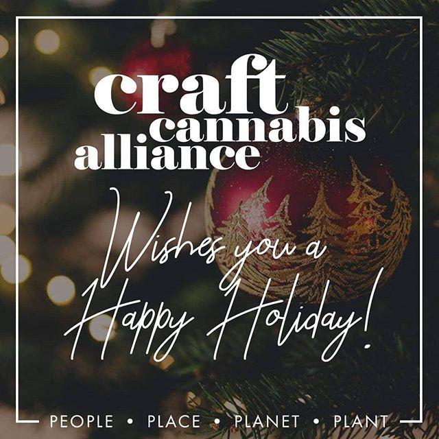 Happy holidays cannabis family!  #craftcannabis #oregonweed #oregoncraftcannabis #oregongrown #cannabiscommunity #happyholidays