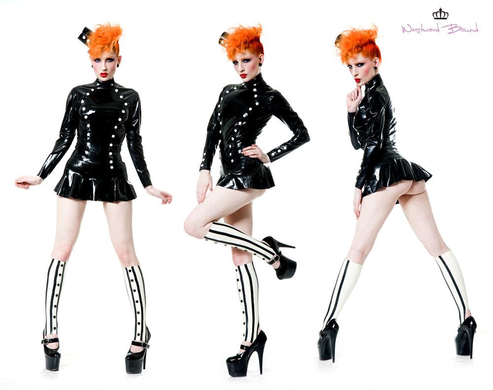 Latex cirque ultra mini skirt