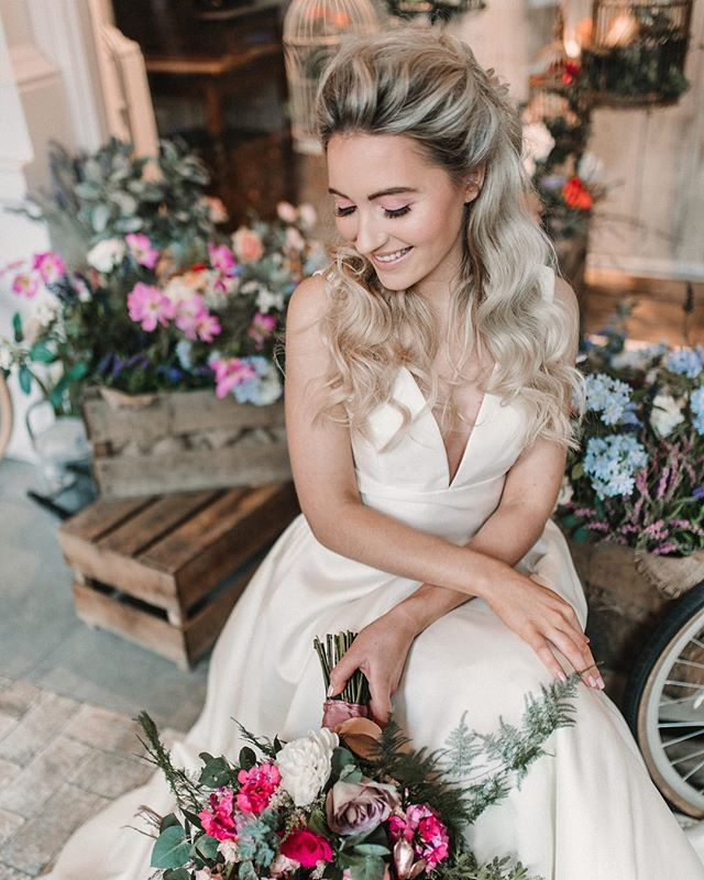 ✨ OHHHHH just look at this absolute ANGEL ✨  A HUGE goal ticked off my list today cos' we only went & got our shoot bloody featured in @lovemydress 😱😱😱 Go check out their write up on us if you're after all the cool bride inspo ✌🏼 It's gonna be spamming central with this shoot allllll week....sorry in advance Huns ✨  Sometimes it's a real pinch me moment when you're collaborating with women at the top of their game as much as these gals are ✨ • Photography ||@nataliepluckweddings Concept || @fbbridalsalon Dresses || @wtoowatters  Separates || @rasberypavlova  Model || @kitwilliams_  Makeup || @hcarson_mua Hair || @charlottemedfordbridal Flowers || @michelleannefloristry Stationery + Jacket || @mama_inc_studio Cake || @sophisticake74 Venue || @thefloristuk •  #cheshireweddinghair #bridalhaircheshire #bridalaccessories #bridesmaidinspo #iscoydpark #cheshireweddingsuppliers #cheshirewedding #owenhousebarn #styallodge #thorntonmanor  #rowtoncastle #colshawhall #dorfoldhall #merrydalemanor #heatonhousefarm #delameremanor #destinationbride #luxebride #alcumlowhallfarm #CombermereAbbey #weddinginspo #graceloveslace #enzoanibride #luxurywedding