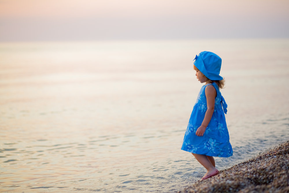 At være sensitiv - En kærlig reminder til det filterløse menneske:Bare fordi du KAN mærke hele verden, betyder det ikke, at du SKAL.- Stinemaria Mollie