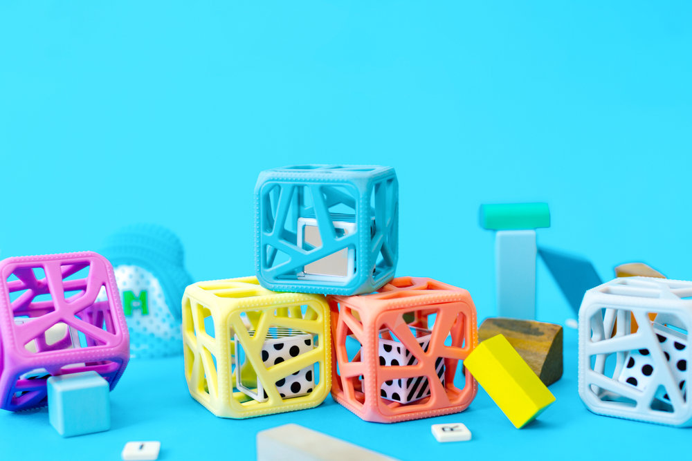 Clever Chew Cube Line - Babies like to chew on cubes, especially if they make noise.