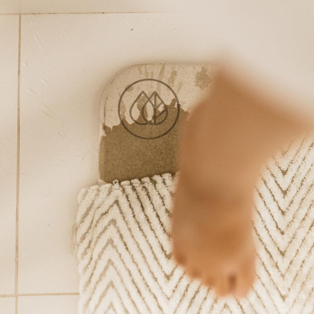 Feet_Dorai_mat.jpg