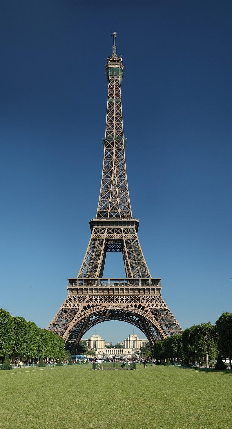800px-Tour_Eiffel_Wikimedia_Commons.jpg