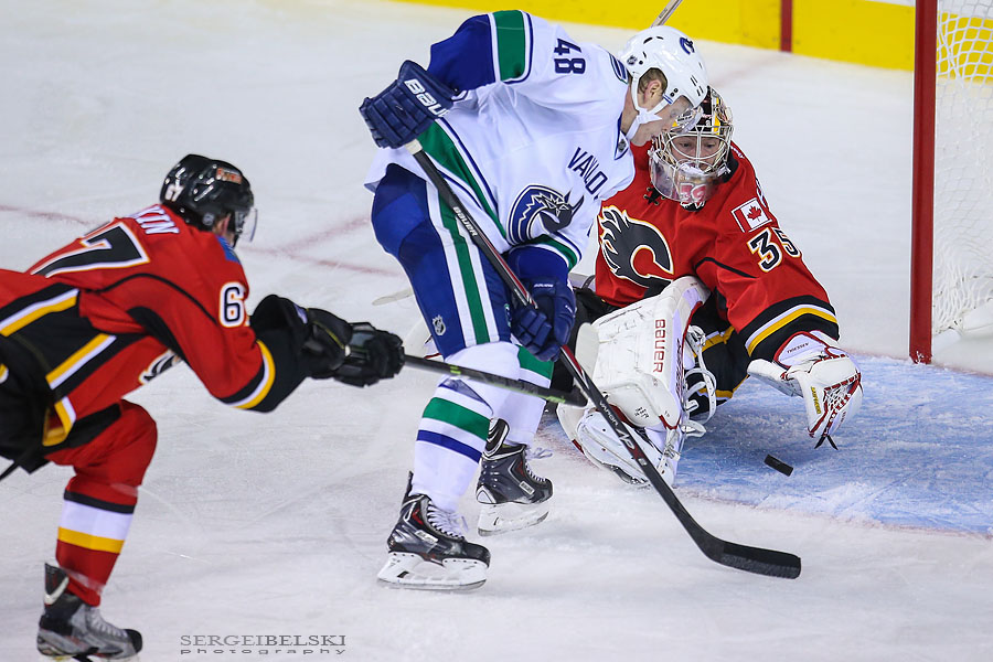 nhl-hockey-calgary-flames-vancouver-canucks-sports-photographer-sergei-belski-photo-12.jpg