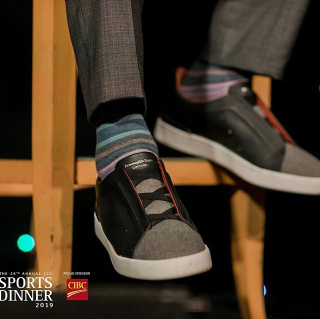 """The Huff Post says a man who wears this style of shoes """"has a kind heart and doesn't take himself too seriously"""". No wonder we love you, @JerryRice ! Thank you to Playoffs sponsors @KPMG_Canada @laurentian_bank @Yaletownbrewing @Bigridgebrewing @MillerThomson and @PortLiving !!"""
