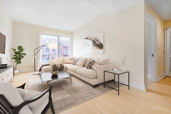 72 Stenben St, #3A - Clinton Hill | Brooklyn    1 Bedroom // 1 Bath Days on Market — 114 Sold Date: December 2018 Sold Price:    $605,000