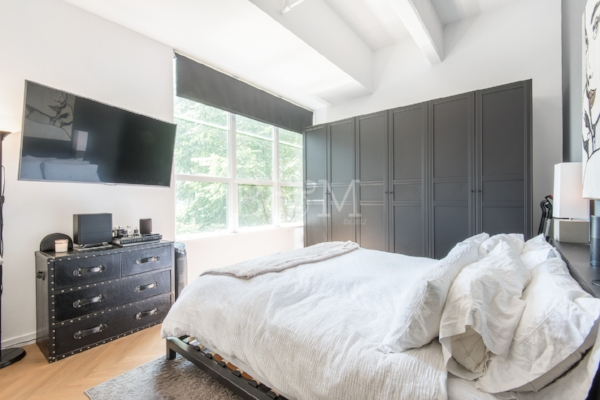 184 Kent Ave, #C104 - Williamsburg | Brooklyn    1 Bedroom // 1 Bath Days on Market — 93 Sold Price:    $875,000